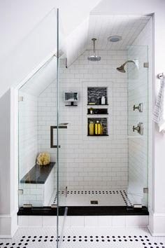 【DIYでリノベーション】シンプルで暖かみのあるロフトのバスルーム