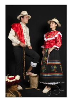 Traje típico pareja Velez Santander Colombia que orgullo mi tierra Colombian People, World Cultures, Traditional Outfits, Eve, Projects, Clothes, Style, Folklore, Dancing Outfit