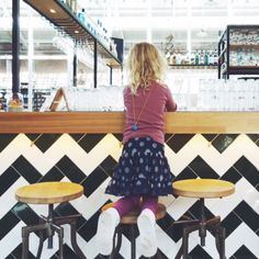Kids Friendly hangout in Amsterdam. On sundays with craft supplies and babysit. | Halte 3