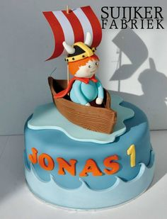 Viking cake - The flag is actually what caught my attention; something like this on the one potential invitation?