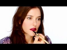 Lisa Eldridge - How To Wear Dark Lipstick - And Look Good! For more tips and a list of products visit my website http://www.lisaeldridge.com/video/12334/how-to-wear-dark-lipsticks-and-look-good/ #Makeup #Beauty #Tutorial