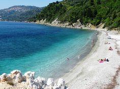 Armenopetra Beach, Skopelos - picture by Lesli Christianson-Kellow