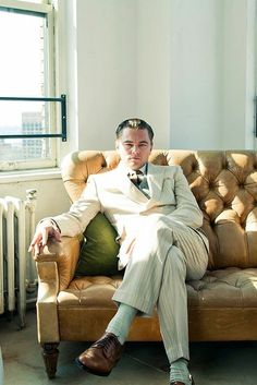 Leonardo DiCaprio as Jay Gatsby - My favorite actor! Jay Gatsby, Gatsby Man, 1920 Great Gatsby, Gatsby Party, 1920 Outfits, Leo And Kate, Military Looks, Leonardo Dicaprio, Best Actor