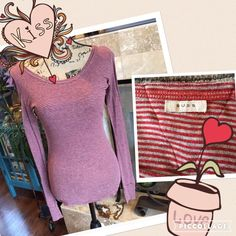 Suss top Size medium and true to size... Stretchy and nice extra long sleeves... Lays over top of hands. Great condition... More a deep red and gray striping Suss Tops