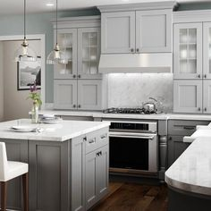 Grey Kitchen Cabinets, Kitchen Cabinet Colors, Kitchen Redo, Home Decor Kitchen, Home Kitchens, Kitchen Remodel, Light Gray Cabinets, Kitchen Cabinet Molding, Shaker Style Kitchen Cabinets