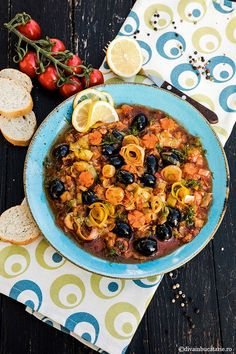MANCARE DE PRAZ CU MASLINE | Diva in bucatarie Eating Well, Paella, Quiche, Spaghetti, Food And Drink, Ethnic Recipes, Quiches, Clean Eating Foods, Healthy Eating