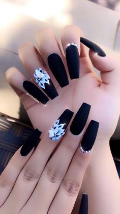 10 Gorgeous Black Nail Designs With Diamonds for 2019 : Check it out! Do you love gorgeous and eye catchy nail designs for all time. Are you searching for such Black Acrylic Nails, Simple Acrylic Nails, Summer Acrylic Nails, Best Acrylic Nails, Nail Summer, Spring Nails, Diamond Nail Designs, Black Nail Designs, Diamond Nails