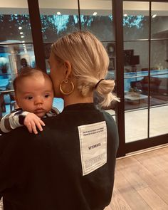 "71.3 mil Me gusta, 595 comentarios - Ashlee Simpson Ross (@ashleesimpsonross) en Instagram: ""Peek-a-boo"" Ashlee Simpson, Three Kids, Peek A Boos, Feel Better, Breastfeeding, Instagram, Children, Baby, Profile"