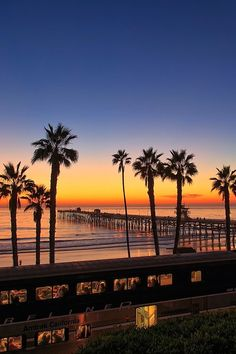 Beautiful Sunset, Beautiful World, Beautiful Places, The Places Youll Go, Places To Visit, Voyage Usa, California Sunset, Manhattan Beach California, Oceanside California