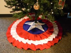 Captain America Tree Skirt! This is totally happening in my house this year. Heck yes.