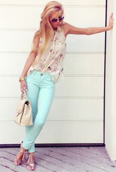 One of the spring trends are the pastels. Today we prepared 15 Trendy Pastel Outfit Combinations, so that you can get an inspiration how to wear pastels. Casual Outfits, Cute Outfits, Fashion Outfits, Womens Fashion, Fashion Trends, Asos Fashion, Fashion Finder, Fashion 2015, Fashion Pants