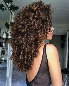 Box Braids Hairstyles - These Are The Hottest Ideas for 2019 - Style My Hairs Brown Curly Hair, Blonde Curly Hair, Colored Curly Hair, Curly Hair Tips, Short Curly Hair, Curly Hair Styles, Natural Hair Styles, Medium Curly, Hair Bangs