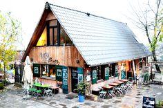 Hafenblick: Restaurant Oberstübchen in Hamburg. Das kleine Restaurant über dem Golden Pudel Club ist eine Perle: jung, lässig, mit feiner Hausmannsküche: http://cookionista.com/?p=2157
