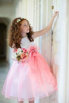 Нарядные детские платья.