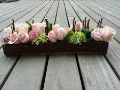 Centro de mesa con rosas Deco Floral, Arte Floral, Floral Design, Beautiful Flower Arrangements, Floral Arrangements, Beautiful Flowers, Hotel Flowers, Giant Paper Flowers, Wedding Flower Inspiration