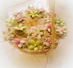 Bomboniere ad uncinetto con fior di confetto di Sulmona