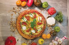 La Méridionale // Pizza , La Boîte à pizza, basilic , tomate, poivrons, mozzarella Mozzarella, Vegetable Pizza, Vegetables, Food, Gourmet, Pizza, Original Recipe, Basil, Tomatoes