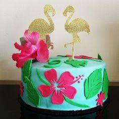 gateau pate a sucre flamand rose Oreo, Birthday Cake, Desserts, Birthdays, Cooking Food, Recipes, Tailgate Desserts, Birthday Cakes, Deserts