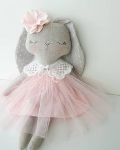 A little bit different.Shop update next week. Rabbit Crafts, Bunny Crafts, Baby Easter Basket, Baby Sewing Projects, Sewing Toys, Felt Dolls, Diy Doll, Fabric Dolls, Beautiful Dolls