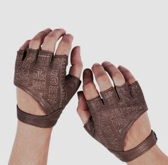 These are probably just gloves, but with the pre-Colombian reminiscent markings they might be usable for casting and divination. - Leather Fingerless Gloves Fingerless Gloves by Brown Leather Gloves, Real Leather, Leather Driving Gloves, Black Leather, Mode Steampunk, Mode Vintage, Larp, Fingerless Gloves, Lace Gloves
