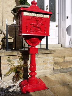 Post Box - Victorian Style Freestanding Aluminium Letter Box In Red 5060362175568 Victorian Mailboxes, Antique Mailbox, Wall Mount Mailbox, Mounted Mailbox, Cheap Mailboxes, Red Mailbox, Post Box Red, Steel Wall, Hazelwood Home