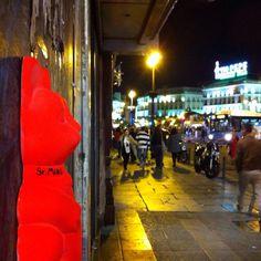 #Madrid - #Spain . srmiau.com  #art #arttoy #popart #arte #artepop #street #streetart #arteurbano #streetnews #streetartanarchy #figure #puertadelsol #tiopepe #vodafonemetro #people #calle #plaza #wall #urbanart #neko #maneki #luckycat #manekineko #cats #gatos #españa #elcarmen #sculpture #design #diseño #cool #photo #pic #originalart #original #fluor #flúor #figure #cat #cats #gato #gatodelasuerte #gatos #fortunecat #cool #chic #top #beautiful #color #colorful #yellow