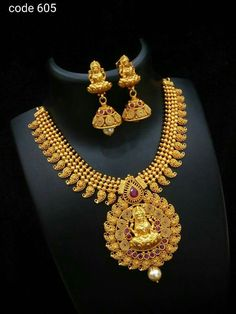 Order what's app 9703870603 Antic Jewellery, Gold Jewellery Design, Temple Jewellery, Indian Wedding Jewelry, Bridal Jewelry, Jewelry Patterns, Necklace Designs, Bangle, Gold Necklace