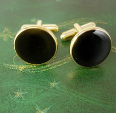 Swank Black Onyx Gold Filled Cufflinks Tuxedo Vintage Wedding Business Valentines. They were made for those fancy tuxedo nights like weddings and special business events. They are gold filled with black onyx in the center. They are in very good vintage condition, well made and medium weight. Great for a wedding, anniversary, business or Valentine's Day. jan29 2014
