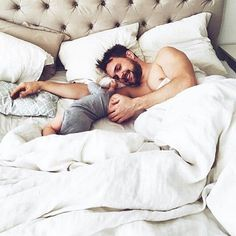 Baby and Daddy Cute Family, Baby Family, Family Goals, Baby Pictures, Baby Photos, Daddy Daughter, Husband, Jolie Photo, Baby Kind