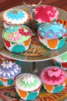 Adorable Spring inspired cupcakes.