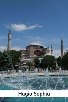 """Das 1.500 Jahre alte Wahrzeichen von Istanbul gehört nicht nur zu den schönsten Sehenswürdigkeiten in Istanbul sondern die """"Kathedrale der heiligen Weisheit"""" ist auch unter die weltweit interessantesten Sehenswürdigkeiten gewählt worden. http://www.tuerkeireiseblog.de/sehenswuerdigkeiten-istanbul/"""