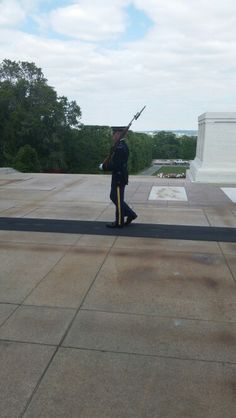 Seeing the guard of the unknown solider tomb in Washington DC today was an experience I will never forget.  Really surprised how much I love it.
