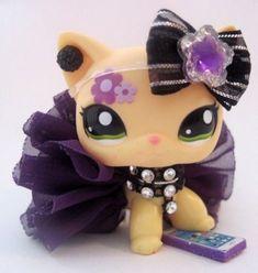 lps accessories ~ lps ` lps pets ` lps customs ` lps toys ` lps accessories ` lps littlest pet shop ` lps emily ` lps for sale Little Pet Shop, Little Pets, Lps Diy Accessories, Lps Clothes, Lps Shorthair, Custom Lps, Lps Cats, Lps Littlest Pet Shop, Easter Bunny Decorations