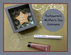 Enter to win this mini shadow box and beauty goodies for Mother's Day @finchnwren! Ends 4/18/18.