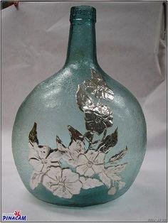 Tin Foil Art, Aluminum Foil Art, Glass Bottle Crafts, Bottle Art, Feuille Aluminium Art, Inspiration Artistique, Pewter Art, Jar Art, Painted Wine Bottles