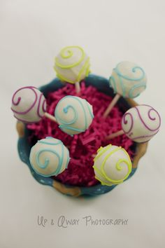 Cake pop center piece  - The Cake's Truffle