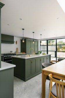 Kitchen floor design with the best motives 01 Green Kitchen Cabinets, Kitchen Cabinet Colors, Kitchen Colors, Kitchen Sink, Kitchen Cabinetry, Cupboards, Blue Cabinets, Kitchen Counters, Kitchen Islands