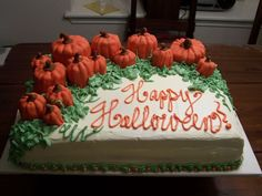 Pumpkin Patch - this was one of my first cakes for monthly birthday parties at my previous job. the pumpkins are rounds of cake and covered with fondant. this was a fun cake! Fall Birthday Parties, 2nd Birthday, Birthday Ideas, Happy Birthday, Halloween Baking, Halloween Cakes, Baby Shower Fall, Fall Baby, Pumpkin Patch Cake