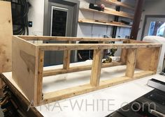 Mudroom Bench with Easy Drawers Bench With Drawers, Diy Drawers, Built In Bench, Diy Bench Seat, Diy Storage Bench, Storage Ideas, Easy Woodworking Projects, Woodworking Bench, Diy Projects