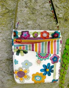 Introducing The Lombard Street Cross Body Hipster Bag! Handbag Patterns, Bag Patterns To Sew, Tote Pattern, Cross Body Bag Pattern Free, Patchwork Patterns, Wallet Pattern, Patchwork Designs, Pattern Fabric, Sewing Patterns