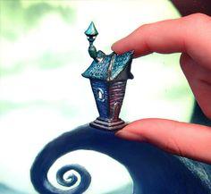 Polymer clay Tim Burton inspired house miniature di UraniaArt, €30,00