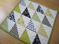10 Easy Quilt Tutorials for Spring | Sew Mama Sew | Outstanding sewing, quilting, and needlework tutorials since 2005.
