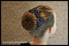 Girly Do Hairstyles: By Jenn: Twisted Bun