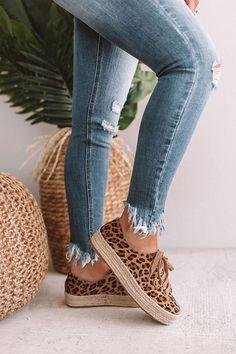 Shoe porn, high heels, designer shoes, all about female's shoes Comfy Shoes, Cute Shoes, Casual Shoes, Leopard Espadrilles, Espadrille Sneakers, A Boutique, Boutique Clothing, Discount Womens Clothing, Women's Fashion Leggings