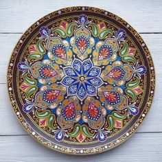 Еще одна красотка тарелочка Mandala Art, Mandala Painting, Dot Painting, Mandala Design, Painted Plates, Painted Chairs, Point Paint, Moroccan Design, Plate Art