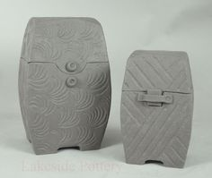 http://lakesidepottery.com/Media/JPG_Images/handbuilding-projects-ideas/carved-clay-boxes.jpg