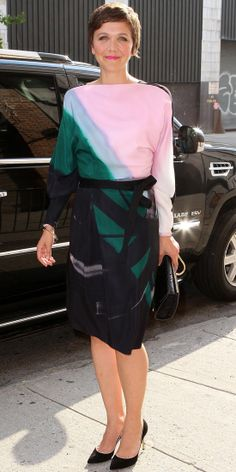 Maggie Gyllenhaal looked pretty in pastels. She wore a multicolored silk Vionnet wrap dress with black suede Casadei pumps.