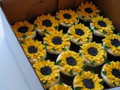 Sunflower birthday cake Cakes by Meridyth Pinterest