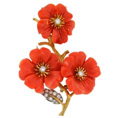 View this item and discover similar for sale at - This gorgeous brooch was created by Mario Buccellati in Italy in the Its design was inspired by floral motif. The brooch is an amazing embodiment Coral Jewelry, Fine Jewelry, Jewelry Art, Gold Flowers, Beautiful Flowers, Boucheron Jewelry, Le Jade, Antique Jewelry, Vintage Jewelry