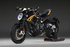 Naked Bike Photos – Motorstof Indian Motorcycles, Triumph Motorcycles, Custom Motorcycles, Custom Bikes, Ducati, Bobber, Mopar, Motocross, Sportbikes